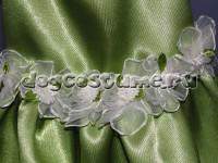 украшение платья - белые текстильные розочки
